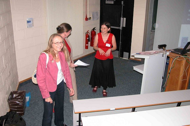 Getting Ready To Introduce the Vice Chancellor at IWMW 2006